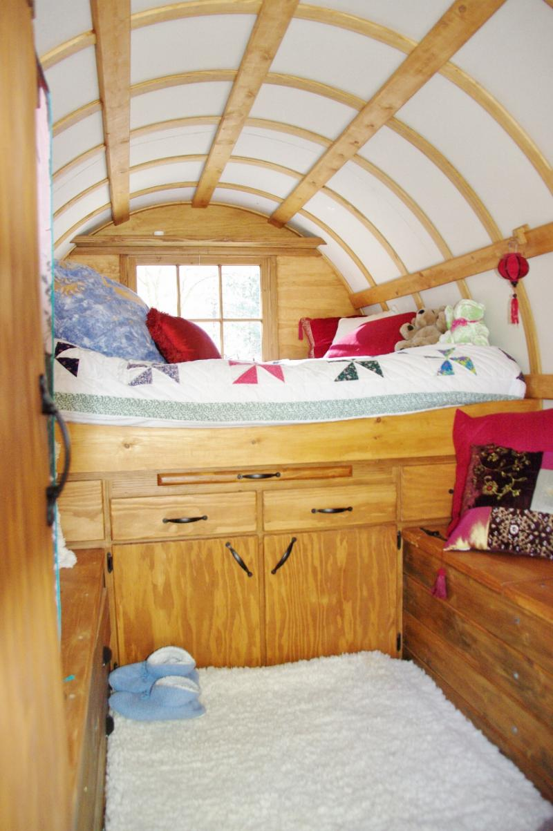 Renee shares how she loves her sheep wagon - she enjoys the nice queen bed